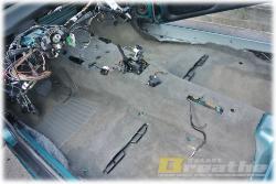 BMW E30 ヒーターユニットを外した、ついでに。。します。