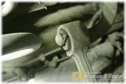 BMW E30 乗り降りの時に、ツチノコの鳴き声がする。