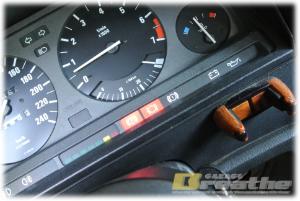 BMW E30 パッドセンサー警告灯を消す。