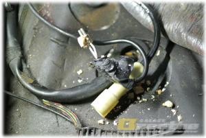 BMW E30 ABSセンサーカプラーの崩壊