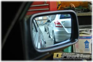 BMW E30 ドアミラーガラスに印を。