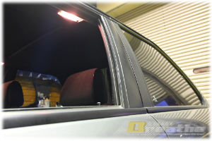 残光式ルームライトも修理しておきました。BMW E30 325Mテクニック